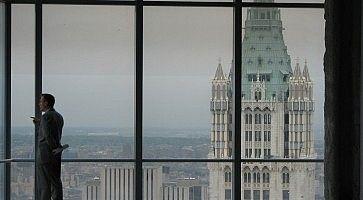 Grandi vetrate al Woolworth Building.