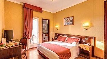 Stanza matrimoniale all'hotel impero a Roma.