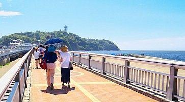 Il ponte che porta verso l'isola di Enoshima.