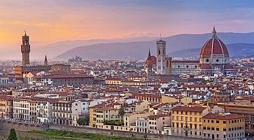 Firenze, vista da piazzale Michelangelo, al tramonto.