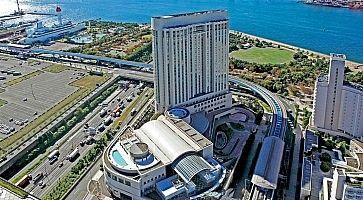 Il Grand Pacific Le Daiba Hotel.