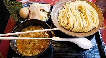 Piatto di tsukemen al ristorante Mitsuyado Seimen.