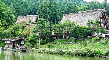 Case tradizionali al villaggio di Hida.